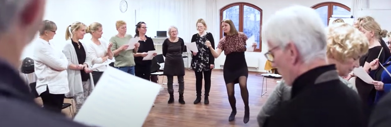 teambuilding med sang og Susanne Ørum som leder